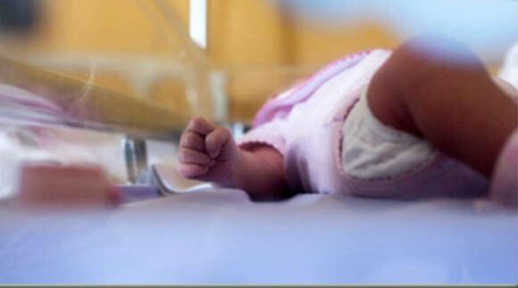 ارتفاع معدل وفيات الأطفال بأميركا.. دراسة تفجر مفاجأة