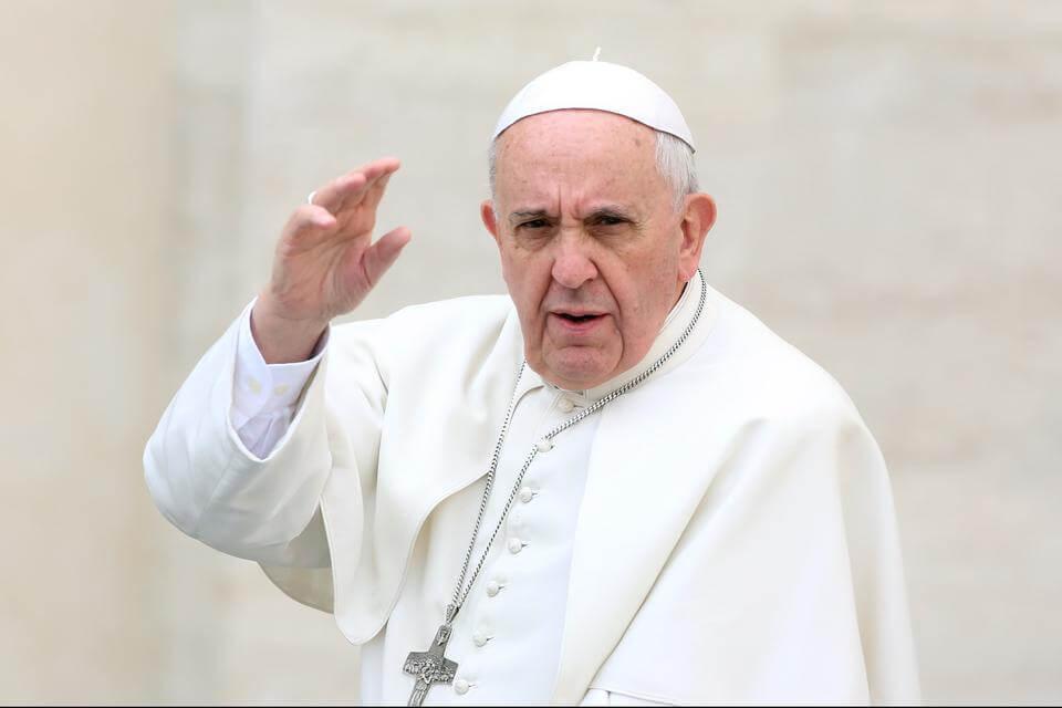 البابا فرنسيس يقرر عدم التراجع عن  زيارته للعراق