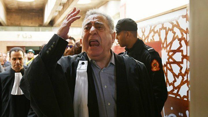 توقيف النقيب السابق محمد زيان عن مزاولة مهنة المحاماة لسنة