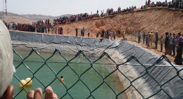 مهاجر افريقي يقدم حياته ثمنا  لإنقاذ جرو غريق  بشيشاوة