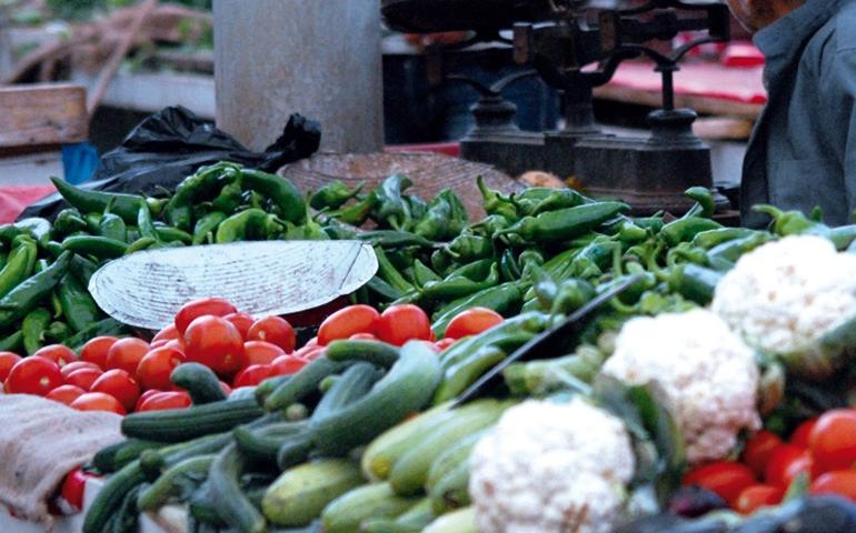 الحليمي يكشف وضعية أسعار الخضر والمحروقات