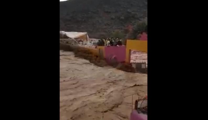 فيديو فاجعة ملعب تارودانت: لحظات تحبس الأنفاس قبل جرف السيول للضحايا