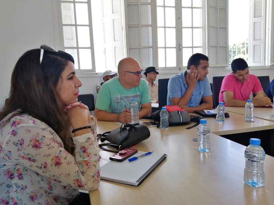 """في خطوة غريبة.. شباب مغاربة يؤسسون حزب """"الحب العالمي"""""""