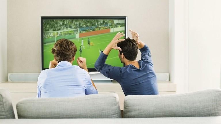 علماء يكشفون الفائدة الصحية لمشاهدة كرة القدم!
