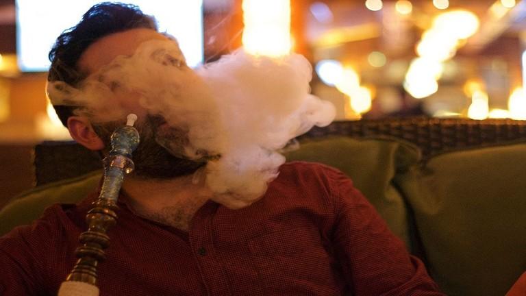 تعرف على مدى خطورة تدخين الشيشة