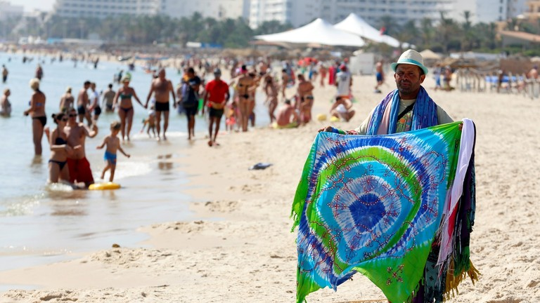 بعد فترة ركود ...قفزة كبيرة في إيرادات السياحة التونسية