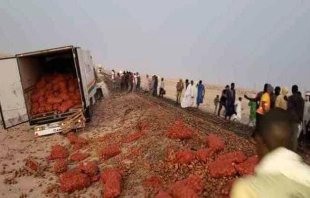 قطار موريتاني يدهس شاحنة مغربية محملة بالخضر