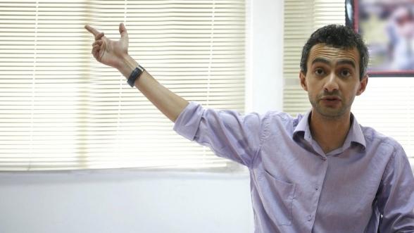 السلطات الجزائرية تعتقل الصحافي المغربي بن شمسي