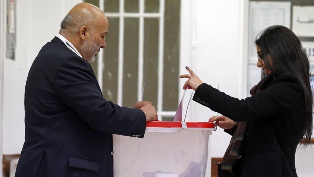 تونس..إغلاق مراكز الإقتراع ونسبة المشاركة تجاوزت 35%