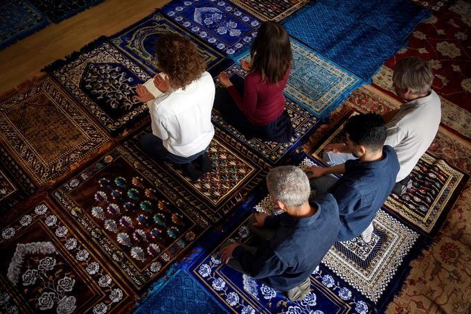 لعبة الإسلام .. في زمن بني علمان