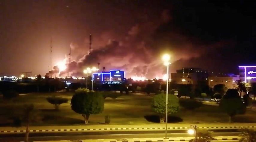 بعد هجوم الحوثيين..السعودية توقف أكثر من نصف إنتاجها  للنفط