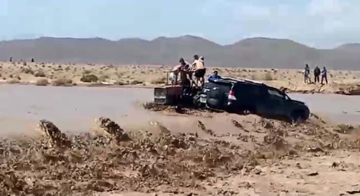 فيديو.. نجاة سياح بأعجوبة من سيول الفيضان بالراشدية