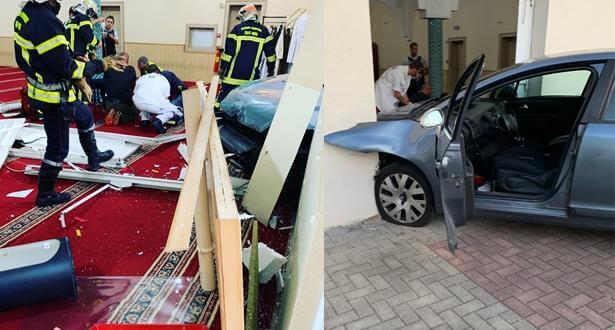 رجل مسلح يقتحم مسجدا في فرنسا بسيارته