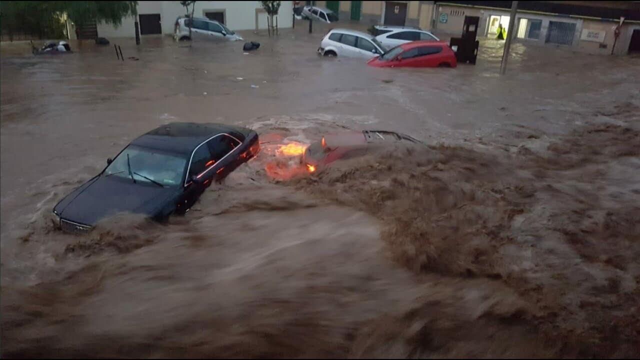 ارتفاع حصيلة ضحايا فيضانات إسبانيا