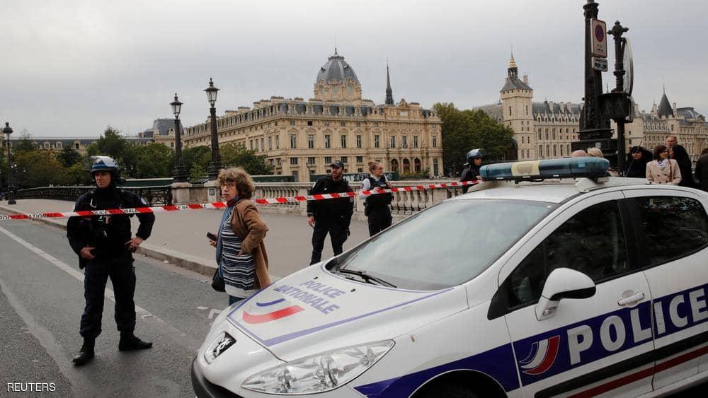 عاجل: قتيلان في هجوم مسلح على مقر للشرطة بقلب باريس