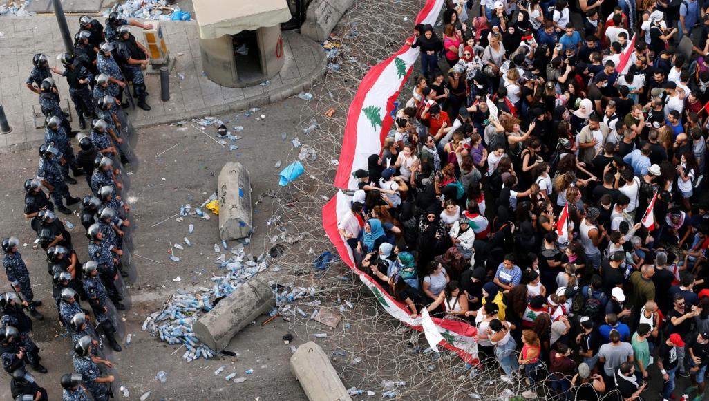 لبنان.. المحتجون يرفضون الإصلاحات ويواصلون التظاهر لليوم السادس