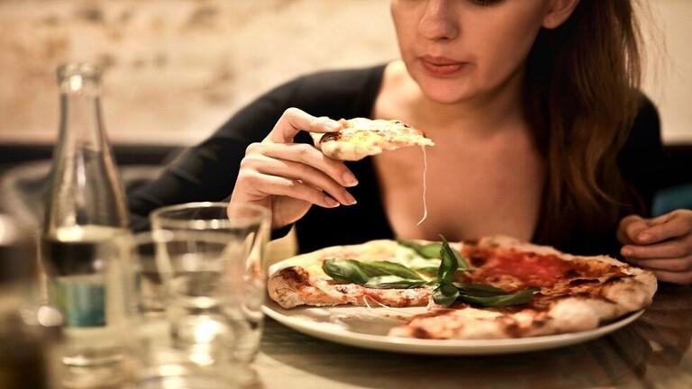 اكتشاف المسؤول عن رغبتنا في تناول الطعام غير الصحي عند التعب
