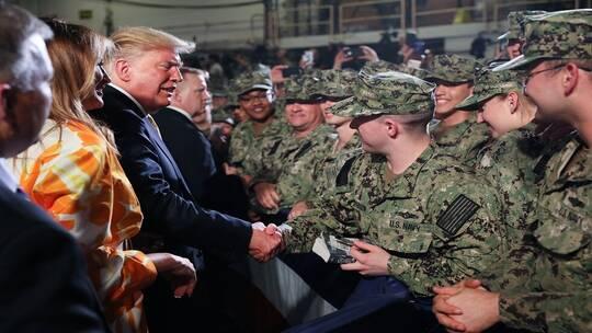 """ترامب يثير جدلا بوصفه الجنود الأمريكيين بـ""""آلات قاتلة"""""""