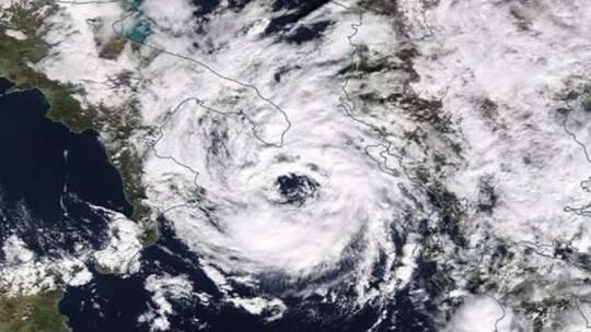 """نشر معلومات عن إعصار """"ميديكين"""" الهائل الذي يقترب من ضرب مصر"""