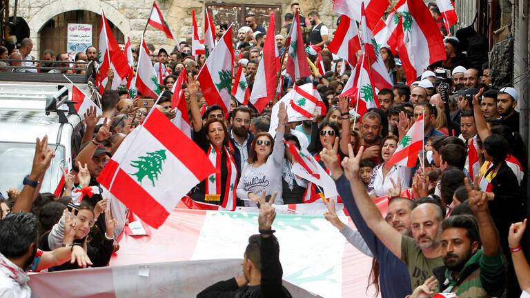 بالفيديو.. الجيش اللبناني يطلق النار على المتظاهرين شمالي  البلاد