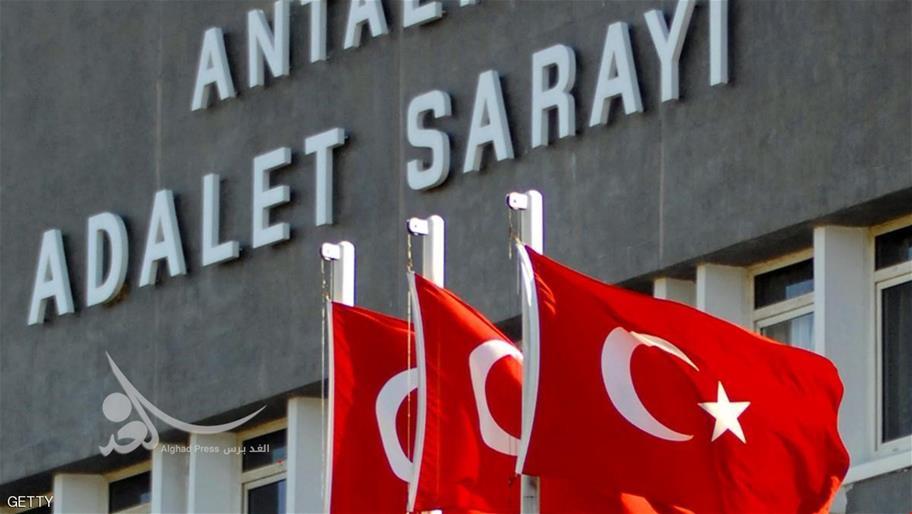 صدور مذكرات اعتقال في حق 150 عسكريا في تركيا