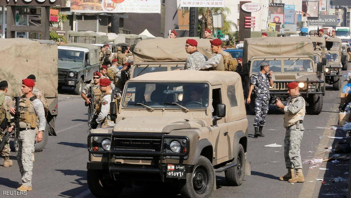 بعد 20 يوما من الحراك اللبناني... الجيش يتحرك  ويفض اعتصاما