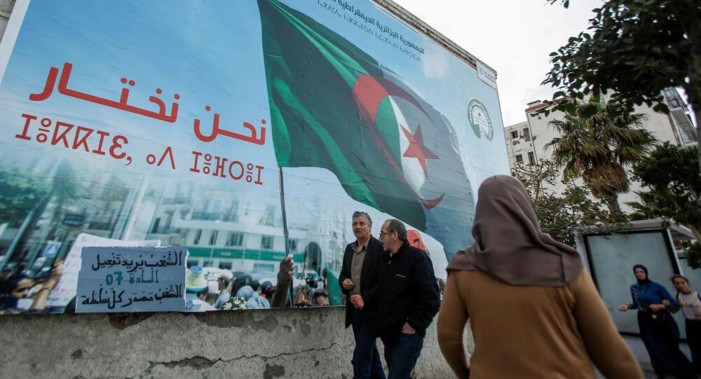 العصيان المدني أم الانتخابات… أين يتجه الشعب الجزائري ..؟