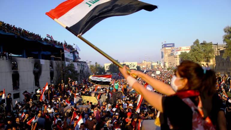 إصابة 120 متظاهرا في مواجهات مع قوات الأمن بالعراق