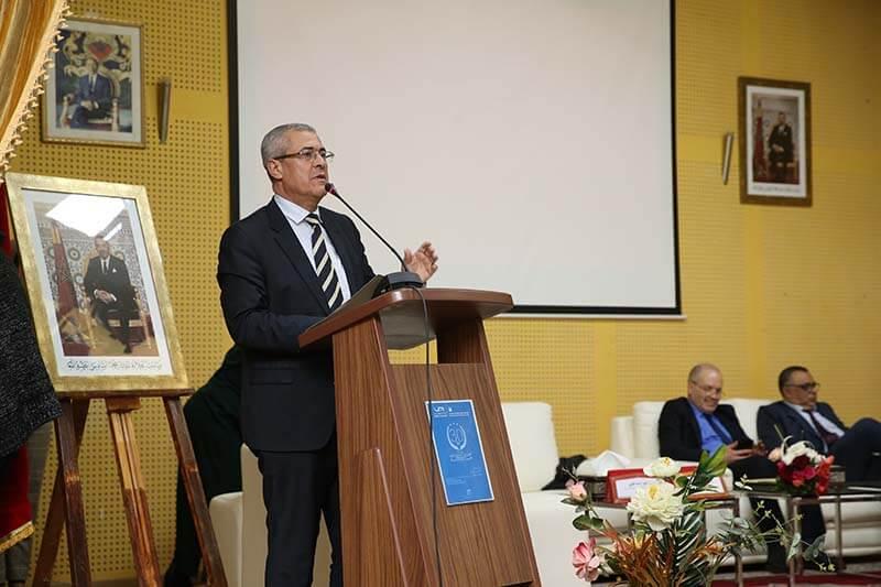 بنعبد القادر يؤكد أهمية التوازن بين حماية النظام واحترام الحريات الفردية