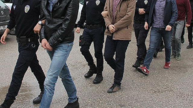 """تركيا ترحل أربعة """"مقاتلين"""" بريطانيين إلى بلدهم"""