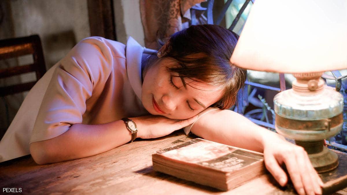 قلة النوم والخرف.. دراسة تكشف العلاقة بينهما