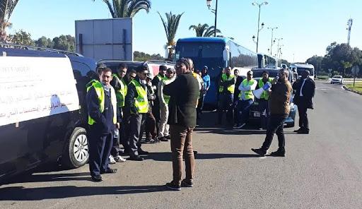 مهنيو قطاع النقل السياحي يخوضون إضرابا وطنيا