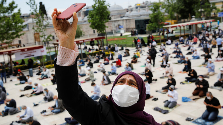 تركيا تخفف قيود كورونا.. وتعاقب المخالفين للتدابير الوقائية