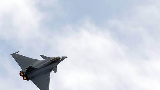 """صحيفة فرنسية: باريس قد تمد القاهرة بمقاتلات """"رافال"""" إضافية"""