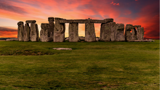 العلماء يكشفون أصلا غامضا يتعلق بأحجار ستونهنغ!