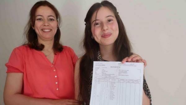 تلميذة مغربية تتربعُ على عرش البكالوريا في فرنسا