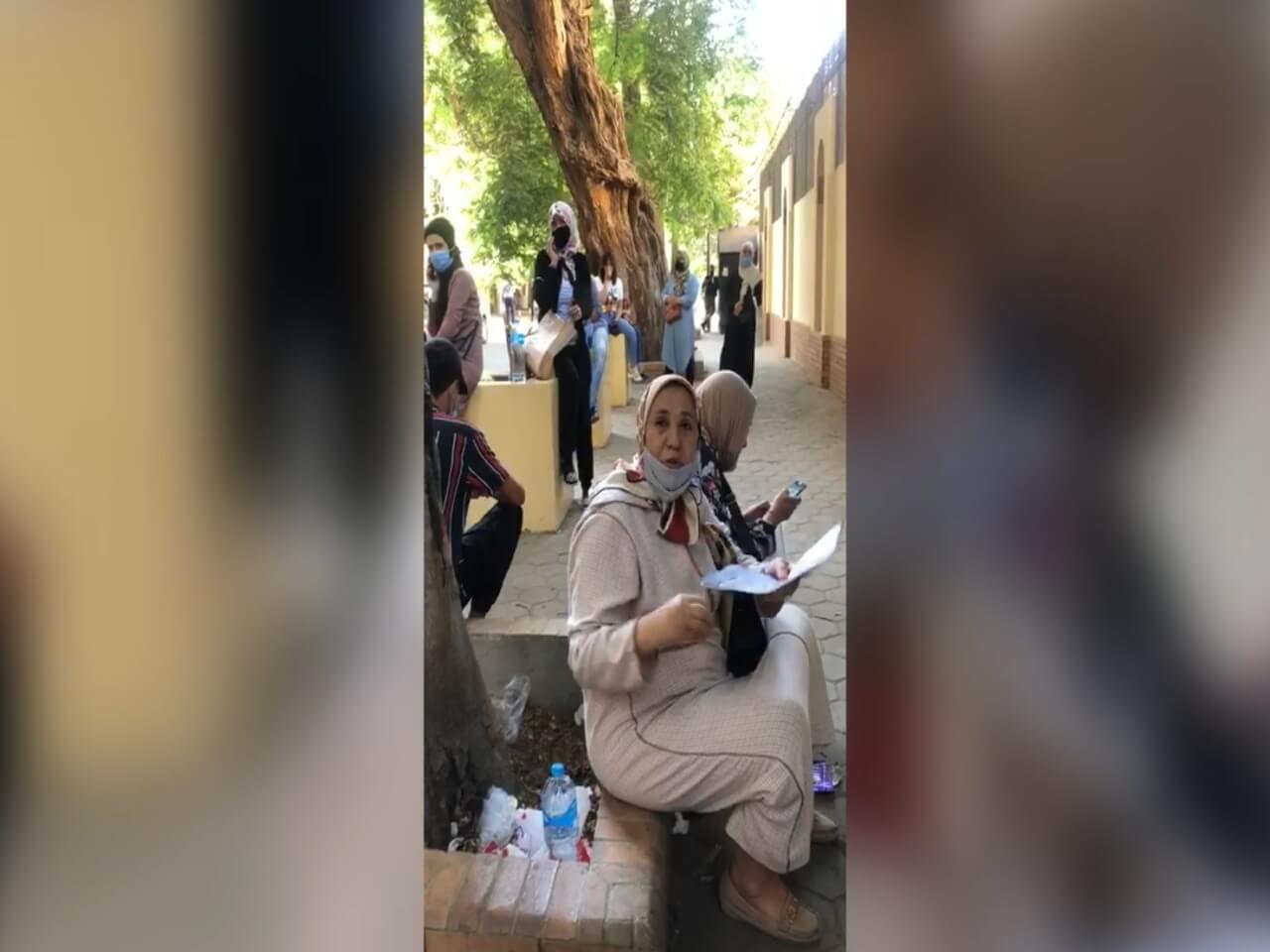 بالڤيديو: مغاربة عالقون بمصر يشتكون الزبونية والمحسوبية في عملية الترحيل