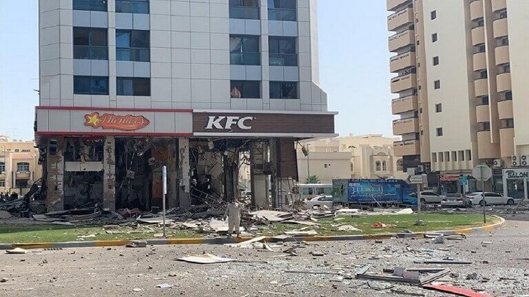 فيديو.. انفجار يهُزّ مطعم للوجبات السريعة في أبوظبي