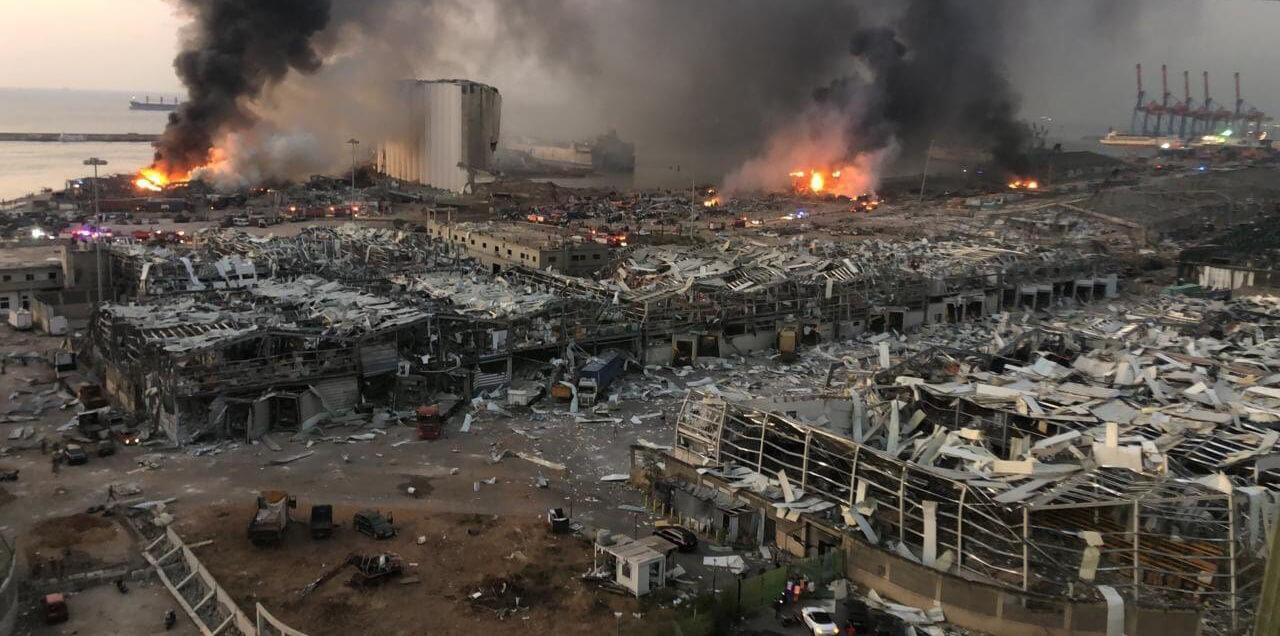 سفارة لبنان تؤكد متابعتها لأوضاع المغاربة عقب انفجار بيروت