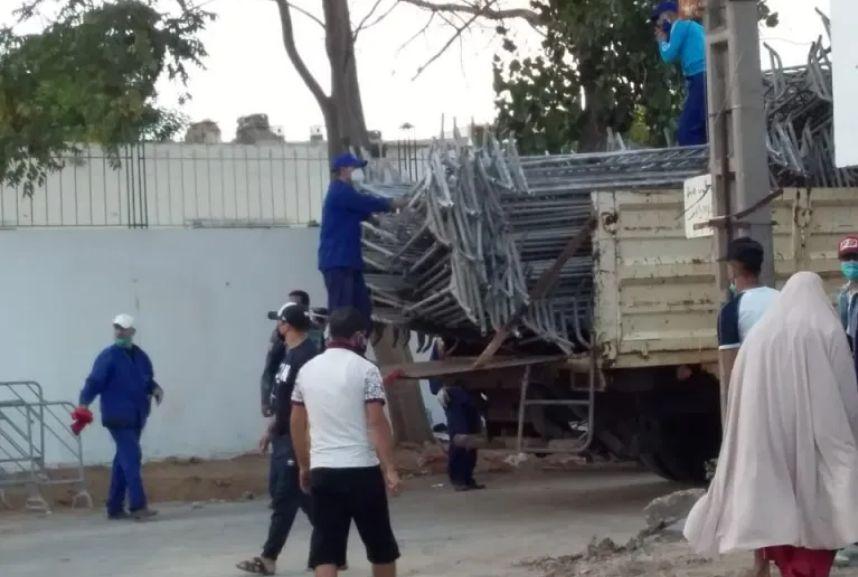 """بالفيديو: السلطات تُغلق حيّ الرشاد بالرباط لمنع تفشي """"كورونا"""""""