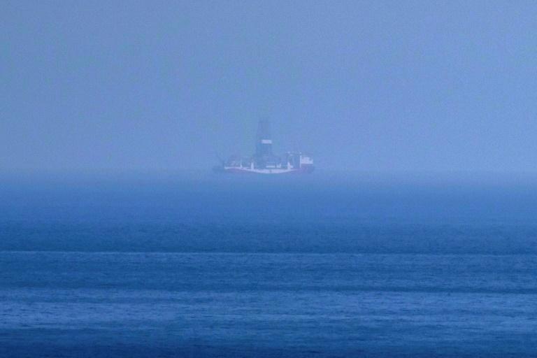 فرنسا  ترسل مقاتلتين وسفينتين حربيتين إلى المتوسط للضغط على تركيا