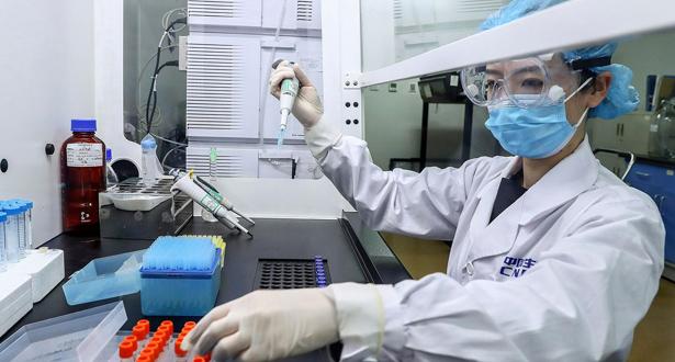 """الصين تمنح أول براءة اختراع للقاح مضاد لـ""""كوفيد-19″"""
