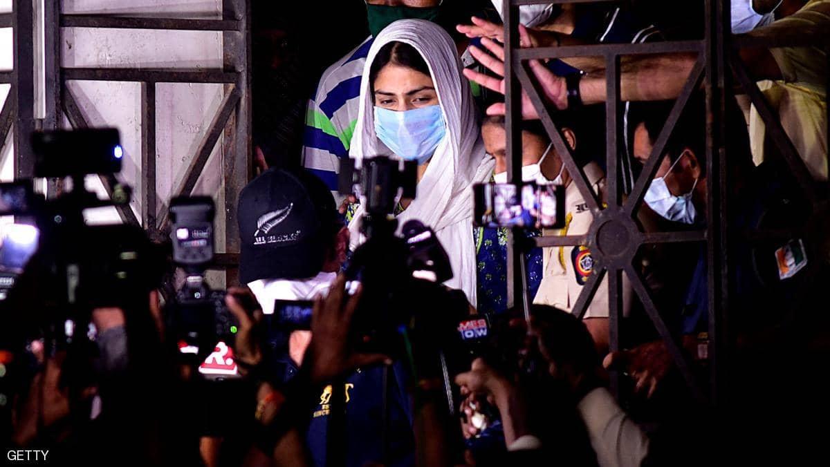 فضيحة مخدرات تضرب السينما الهندية ونجوم كبار بقلب التحقيقات