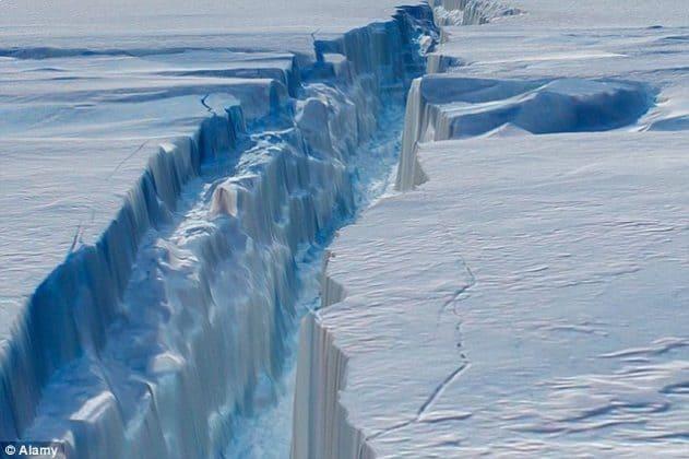 """اكتشاف عميق وخطير تحت """"جليد يوم القيامة""""!"""