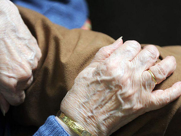"""علماء يحذرون من انخفاض متوسط العمر بسبب """"كوفيد-19""""!"""