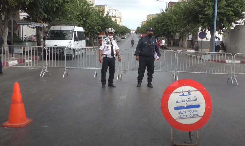 سلطات البيضاء تنشر الحواجز الأمنية بالعديد من الأحياء و الشوارع