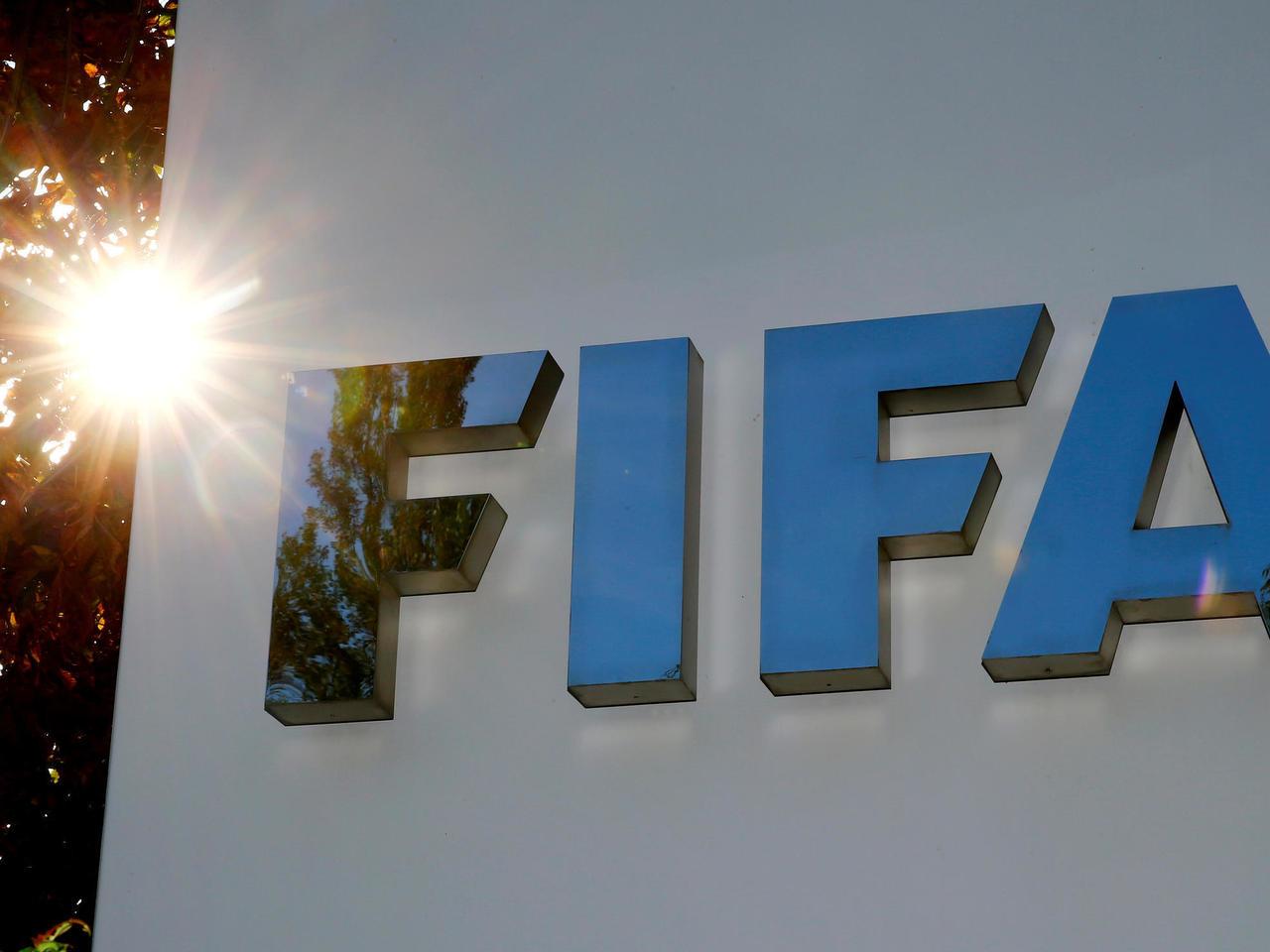 فيفا يقدر تكلفة كورونا على كرة القدم العالمية بـ11 مليار دولار