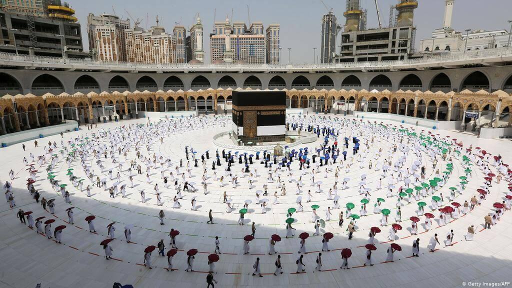 السعودية تشترط التلقيح ضد كورونا للمشاركة في موسم الحج