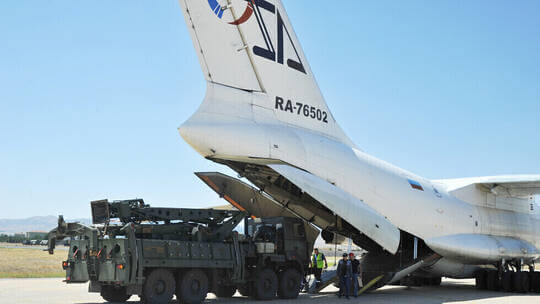 """الولايات المتحدة تحذر تركيا من """"تداعيات محتملة وخيمة"""" لتشغيل """"إس-400"""""""