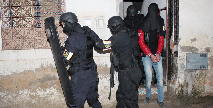 """رفع راية """"داعش"""" يستنفر السلطات ويجرّ شابا إلى الاعتقال باشتوكة"""